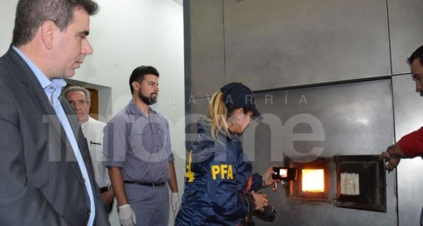 Inédito procedimiento en Olavarría: quemaron más de 400 kilos de droga en Pinos de Paz