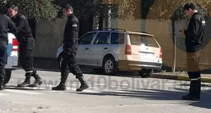 Leve impacto en Avenida Brown y Nicolas Ocampo: Motociclista fue derivada al nosocomio por precaución