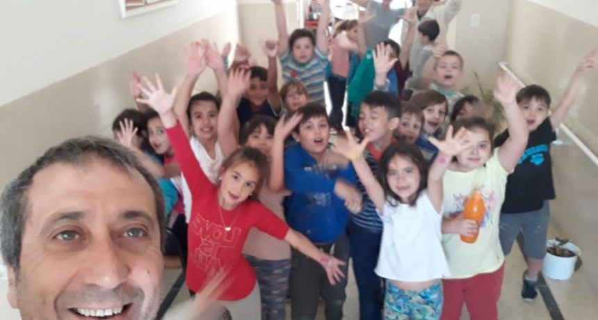 Alumnos de la Escuela Estética visitaron Casa Hogar