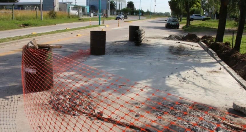 Continúan los trabajos de reparación del pavimento en planta urbana