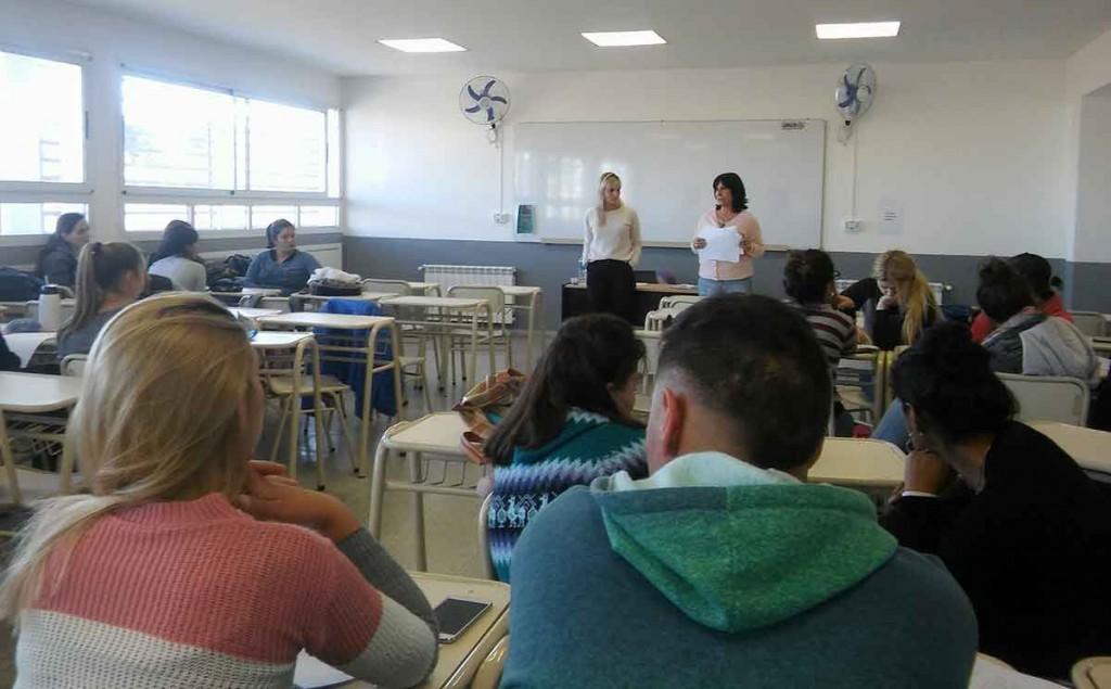La municipalidad organiza una jornada por los derechos de las mujeres