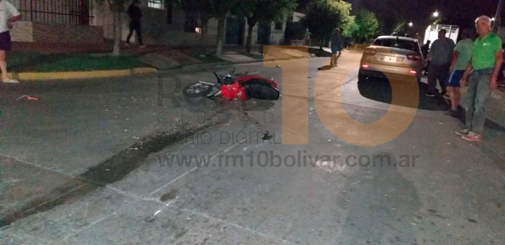 Una mujer fue trasladada hacia el hospital, tras un accidente