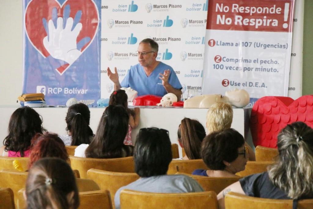 El Dr. Maluendez brindó una capacitación sobre RCP y Primeros Auxilios al personal municipal