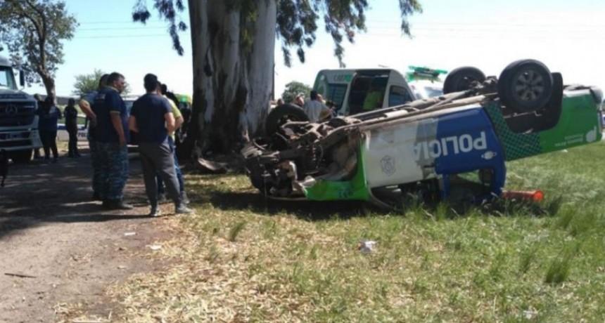La Plata: Intentó ahorcar a un policía y provocó un vuelco