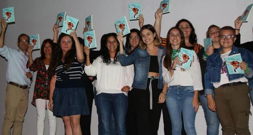Se extiende la inscripción para formar parte del segundo libro de mujeres bolivarenses