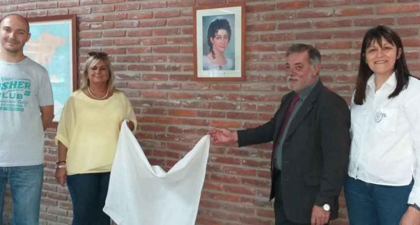 La Asociación Sanmartiniana descubrió el cuadro de María de los Remedios de Escalada de San Martín de la EES N.º 4