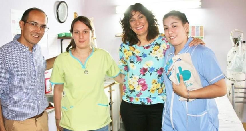 El intendente pisano saludó a las enfermeras y los enfermeros en su día