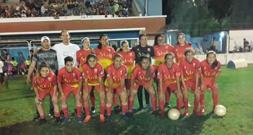 Bull Dog lidera la tabla de la Copa Ciudad Femenina