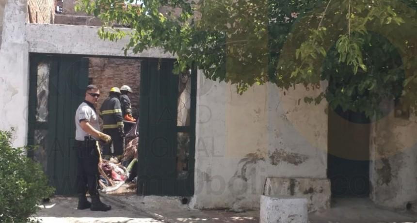 Incendio de una vivienda en calle Santos Plaza casi Alberti
