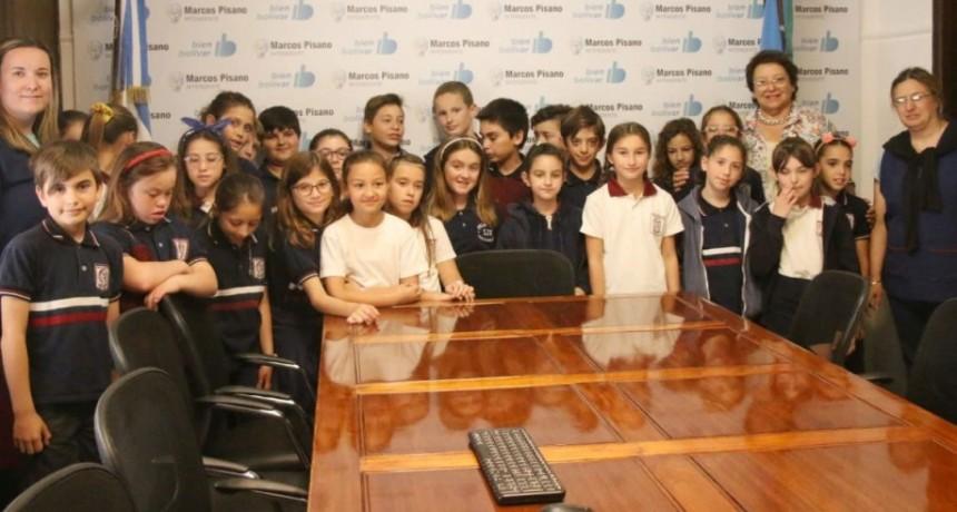 Alumnos del Colegio Jesús Sacramentado realizaron una visita educativa a la Municipalidad
