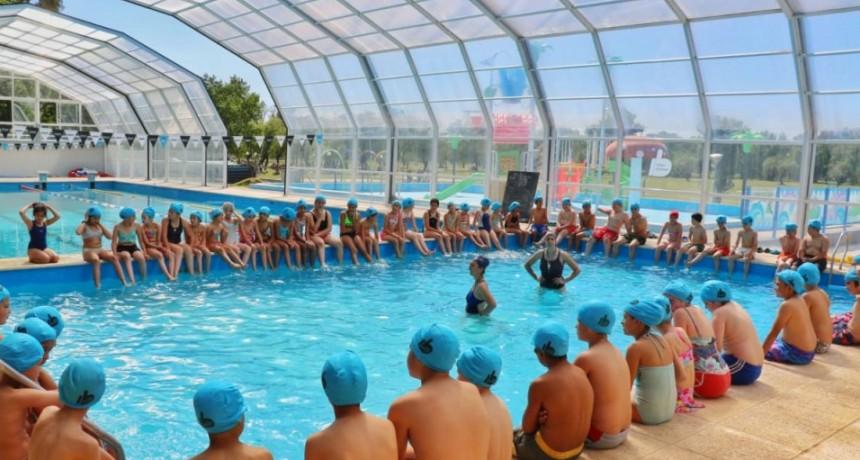 Más de 200 niños y niñas de instituciones educativas rurales disfrutaron del natatorio municipal