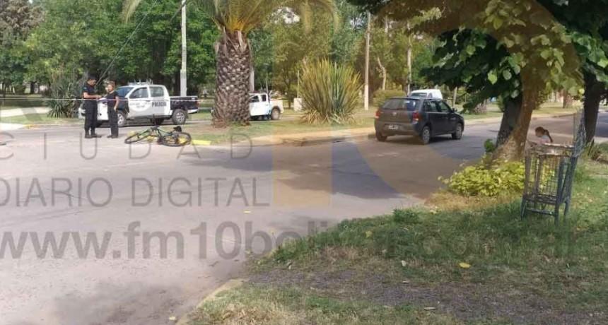 Ciclista hospitalizado por prevención tras accidente en Av. Belgrano y Av. 9 de julio