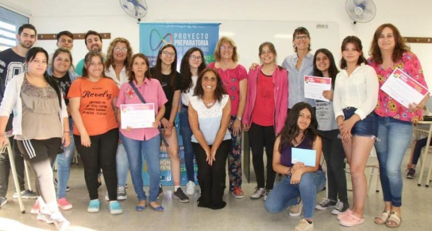 La preparatoria entregó los premios del concurso de cortos