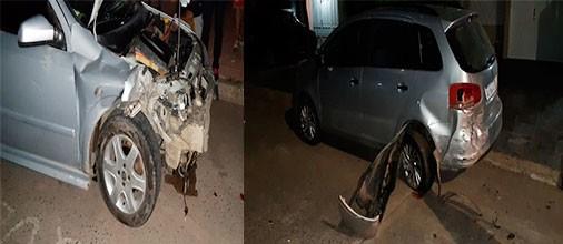 Un conductor impactó contra dos autos