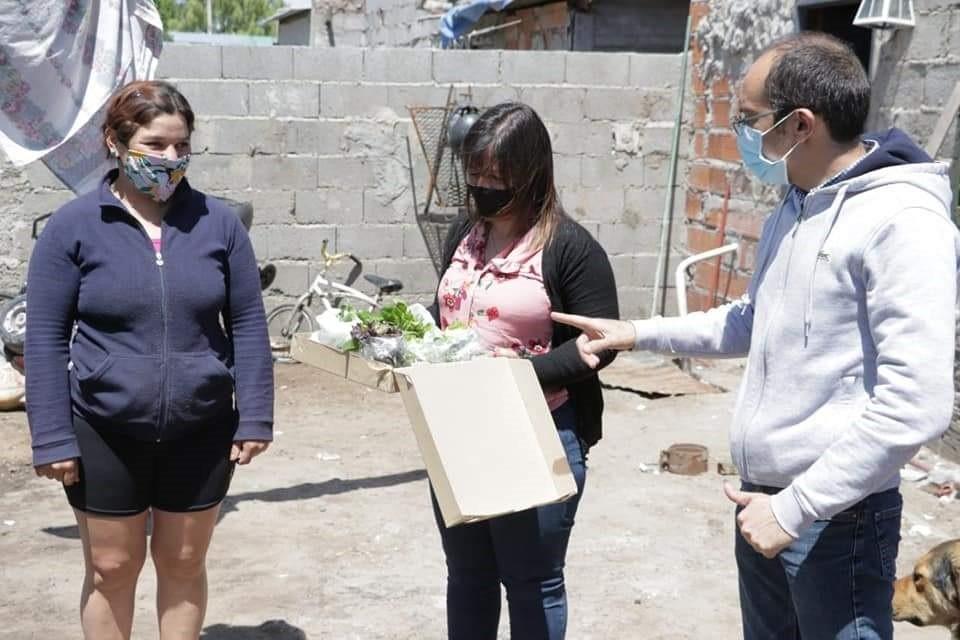 Huerta Familiar: un programa que va creciendo entre las familias