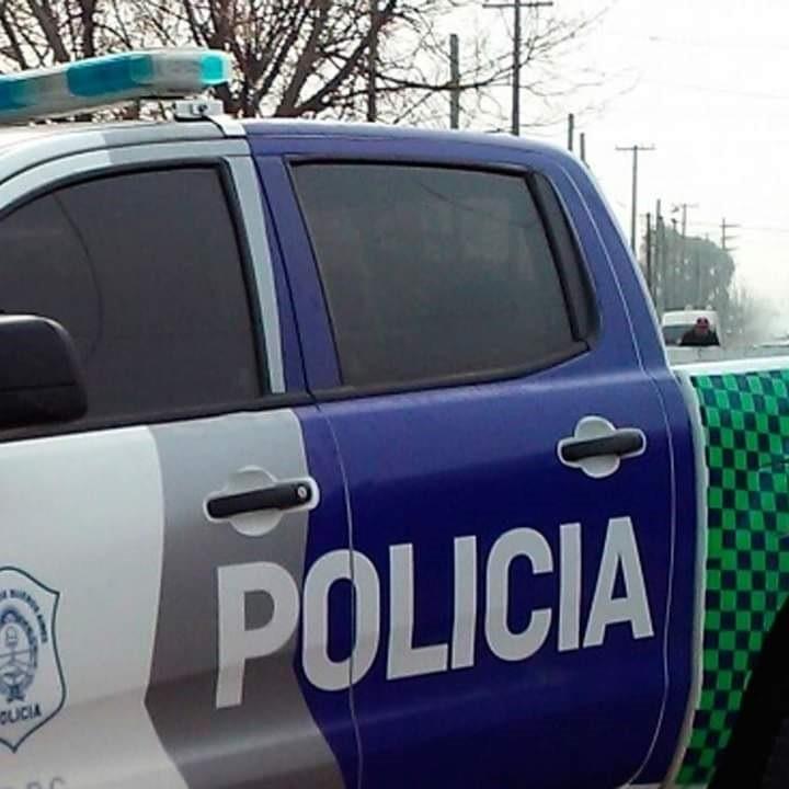 Parte oficial de Policía: Daños en vidrieras, violación de perímetro,robo de herramientas y cable trifásico