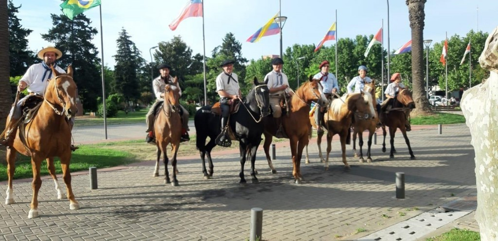 Bolívar celebró el día de la tradición de a caballo