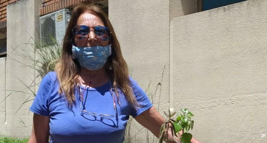 """Estela Santillan: """"Este sábado haremos el sorteo aniversario de los feriantes"""""""