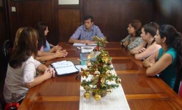 El Intendente Bucca se reunió con padres y directivos del Jardín 908