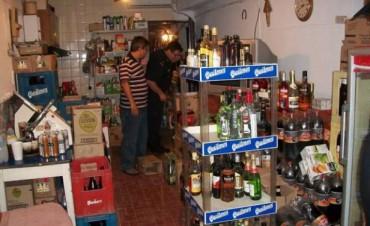 Más de 2.200 litros de bebidas alcohólicas fueron secuestrados en un exitoso procedimiento en Junin
