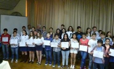 El Rotary Club entregó distinciones a los mejores compañeros de instituciones educativas