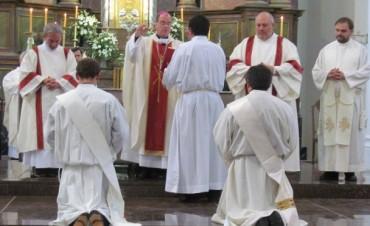 Ordenación en la 'Parroquia San Carlos Borromeo': La Diócesis de Azul ya cuenta con dos nuevos sacerdotes