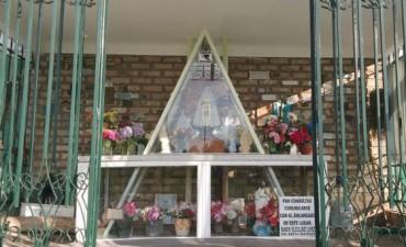 Peregrinación a la Virgen: A pesar de la lluvia, la comunidad se acercó al 'Monte de los Recuerdos'