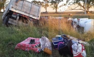 Ruta 226: Volcó un camión y su conductor tuvo que ser trasladado al Hospital