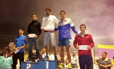 Atletismo: Miguel Guerra ganó la 'Maratón Nocturna' de fin de año