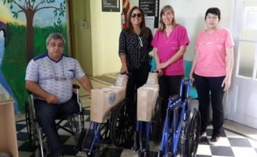 La Asociación de Concesionario Automotores de la República Argentina donó tres nuevas sillas de ruedas para el CRIB