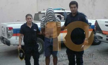 Detuvieron a un joven acusado de arrojar bombas tipo 'Molotov' contra vehículos y viviendas particulares