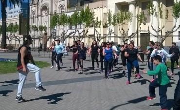 Master de zumba solidario por Aylén Bazar y Tomás Bustos