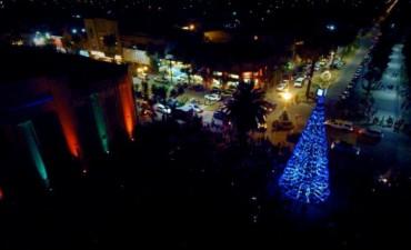 Fue encendido el Árbol de Navidad de todos los bolivarenses