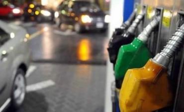 Desde enero, naftas y gasoil costarán 8% más