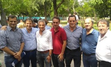Bucca estuvo en un encuentro del peronismo bonaerense donde también reapareció en el plano político Eseverri