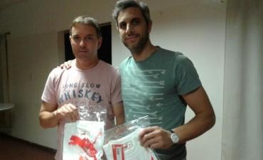 Se consiguieron 150 camisetas para las inferiores del Club Casariego