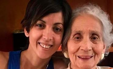 Adriana, la nieta recuperada hija de Violeta Ortolani, visitó a su abuela