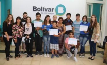 10 jóvenes que hicieron el Curso de Introducción al Trabajo recibieron su diploma