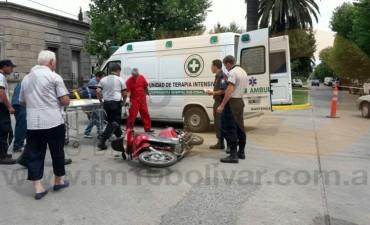 Accidente en Avenida Venezuela y Laprida: Impacto entre una camioneta y una moto