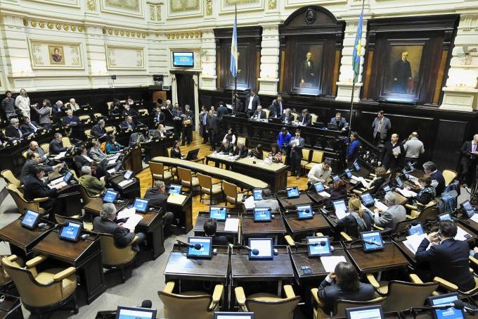 Presupuesto Provincial 2019: Con intendentes peronistas y el massismo como aliados Vidal consigue sanción de leyes claves