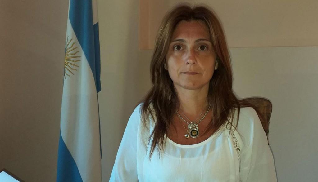 Julia María Sebastián: 'Este año y a través de varias modalidades, se han sustraído grandes sumas de dinero del interior de los vehículos, es necesario no dejar valores dentro de los autos'
