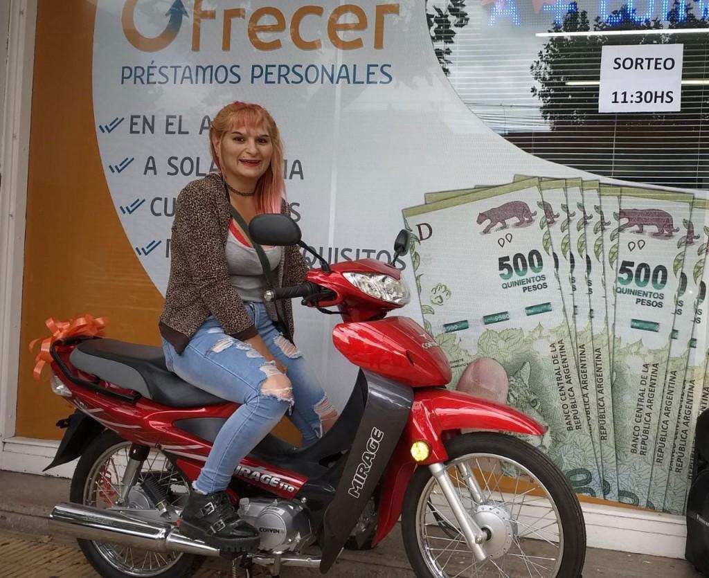 Ofrecer realizó el sorteo que entregaba como premio una motocicleta 110 cc