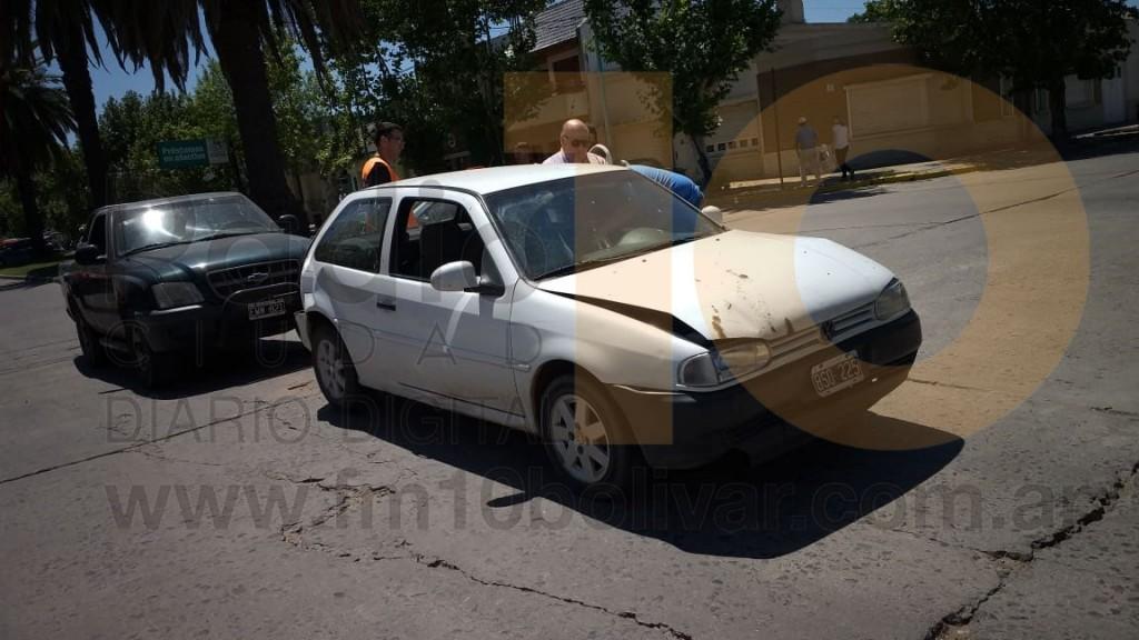 Impacto múltiple en la intersección de Avenida Lavalle y Calle Sáenz Peña