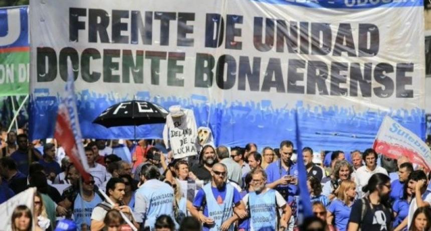 Provinciales: Docentes bonaerenses comienzan la semana con un nuevo paro provincial en contra de la 'rebaja salarial'