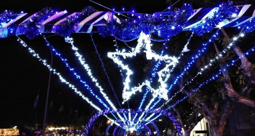 El ambiente navideño copó el Centro Cívico y el Parque Las Acollaradas