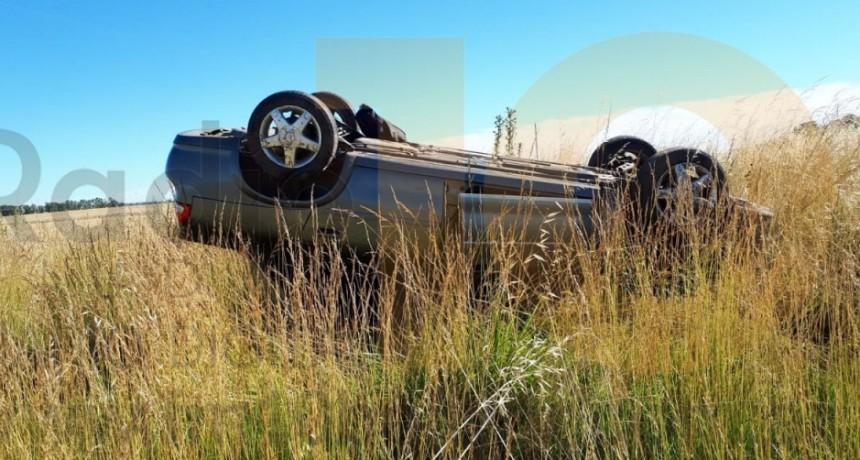 Despiste y vuelco en Alvear: Un conductor bolivarense resultó sin lesiones