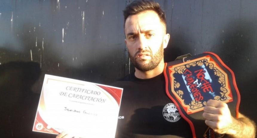 Santiago González prepara una exhibición de Kick Boxing en Villegas