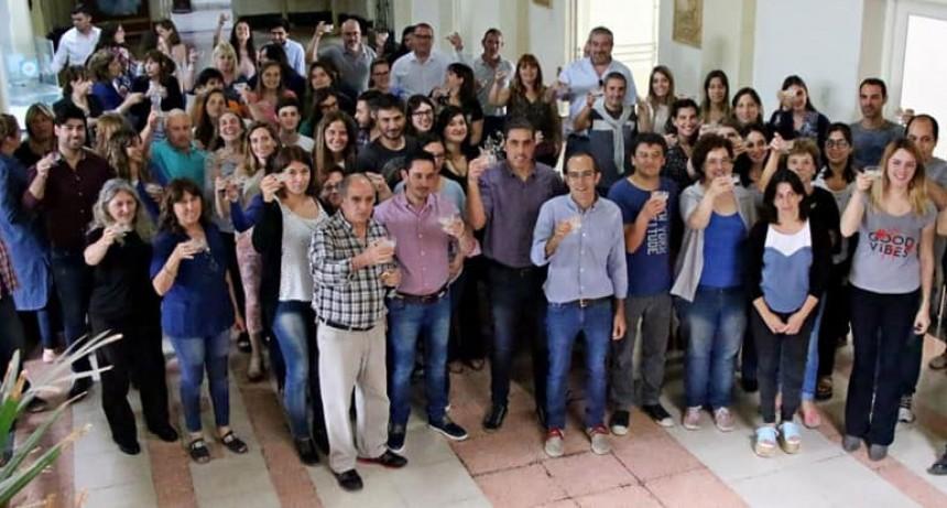 El intendente Pisano brindó con los empleados municipales