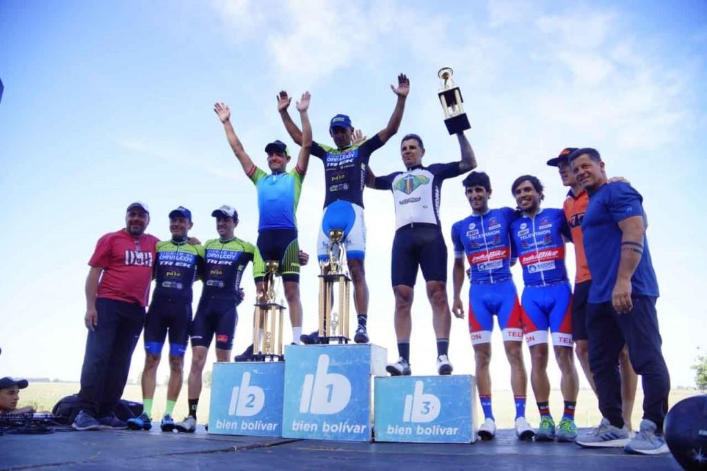 Elbio Alborzen se consagró ganador del Gran Premio Ciudad de Bolívar
