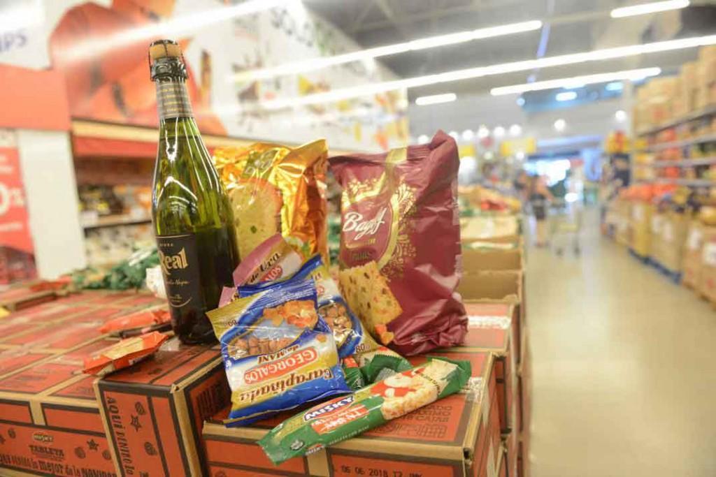 Según la Defensoría, la canasta navideña, subió casi 65% en un año
